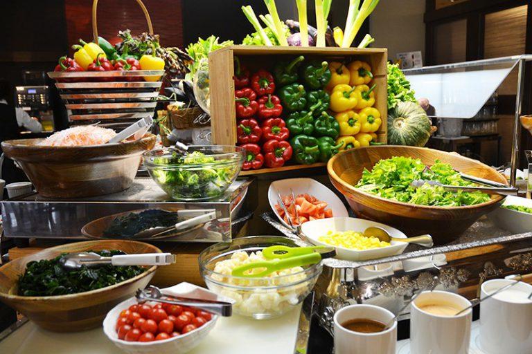 多彩なサラダバー&冷製料理|朝食のご案内|レンブラントホテル厚木【公式】レンブラントグループホテル