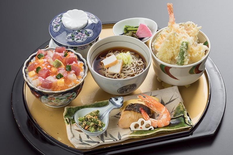 【中津川の新ランチ】三種丼ぶり御膳