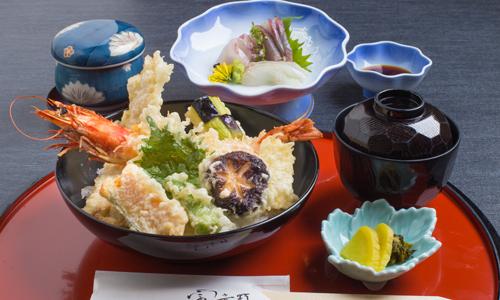 【富貴野ランチ】 期間限定メインが選べる!「海鮮丼御膳・ローストビーフ御膳」が登場!