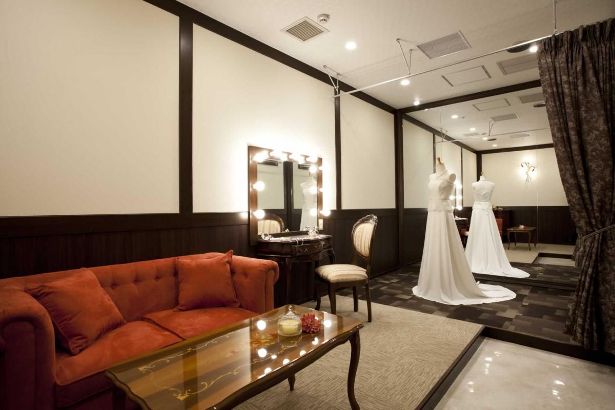 ブライズルーム・ドレス・フラワー|ウエディング|レンブラントホテル大分