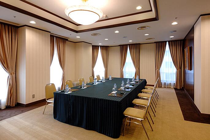 3F 小宴会場「オーク」|レンブラントホテル厚木