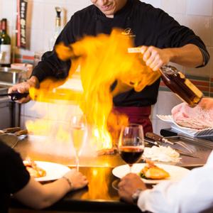 【おおいた和牛ステーキディナー】<br />五感で愉しむ、鉄板カウンター席ならではの臨場感!