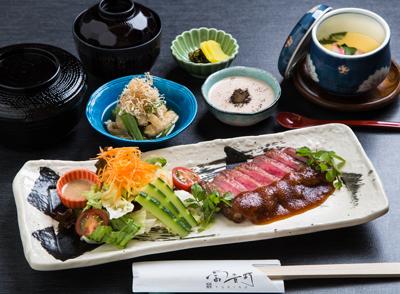 【ディナー】<br />気軽に和食ディナー!3種の御膳料理