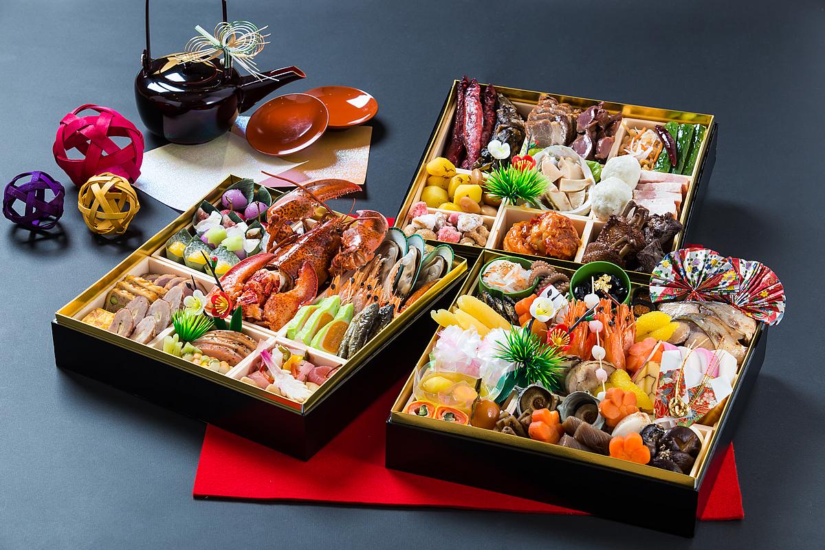 【和・洋・中 三料理長 技と味覚の饗宴】:和洋中折衷三段おせち