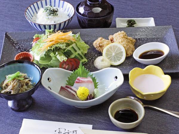 【平日限定 月替り御膳】 『広島県産カキフライ御膳』