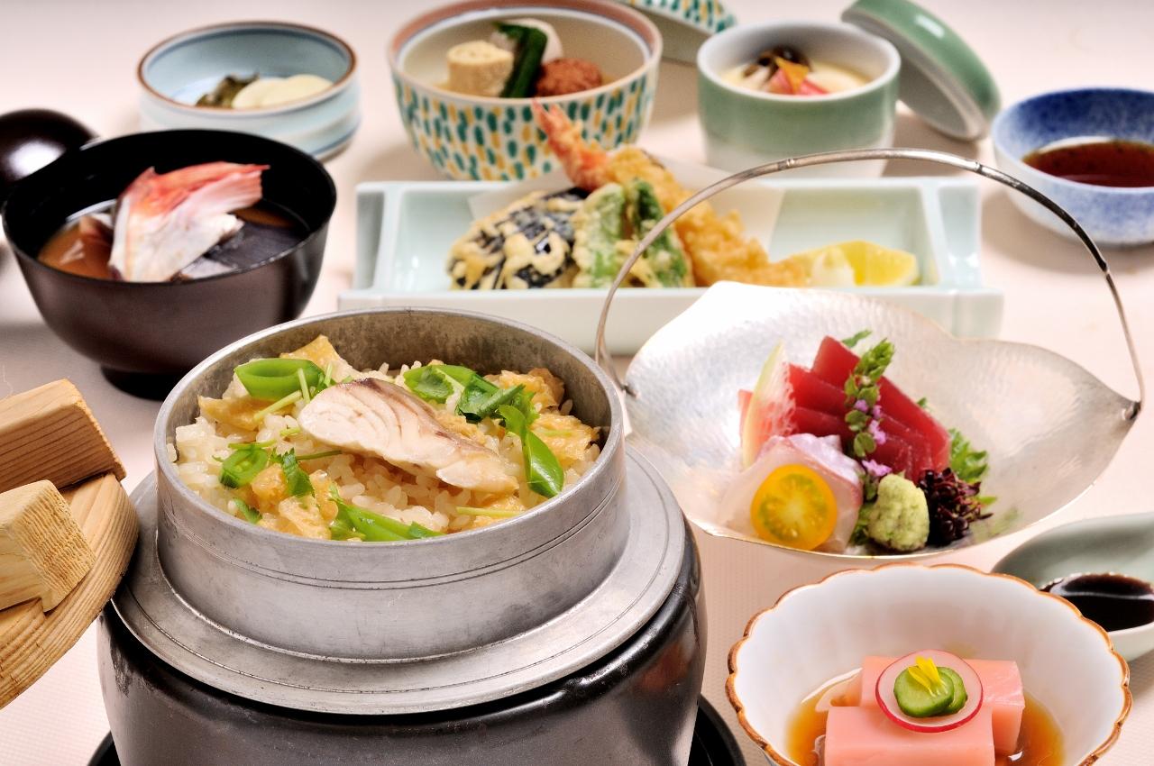 「日本料理 四季」ディナー×「海老名の朝食」2食付き|レンブラントホテル海老名