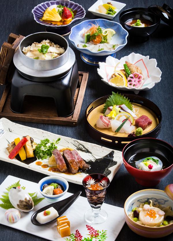 【料理長おまかせ季節の懐石~牡丹(ぼたん)~】<br />お祝いのお席にも最適!