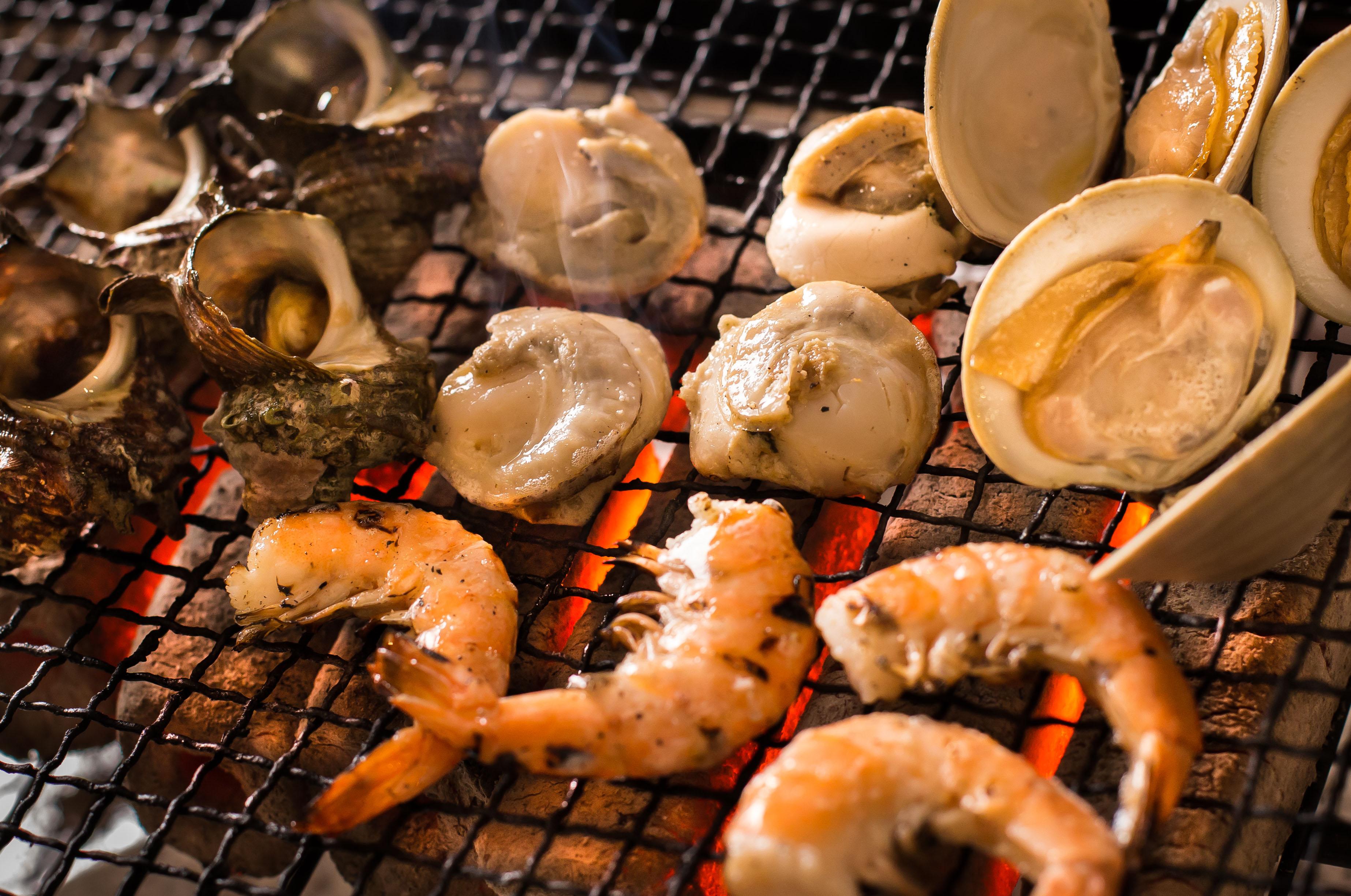 【7月ディナー】海鮮炭火焼ディナー ~海鮮・旬野菜の炭火焼&ラクレットチーズ~