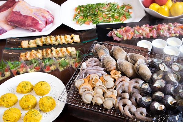【Four Leaf Gardenディナー】SPECIAL DINNER【海鮮炭火焼バイキング】 ~寿司・ステーキも食べ放題!暑い夏、ビールがおいしい!スタミナバイキング~